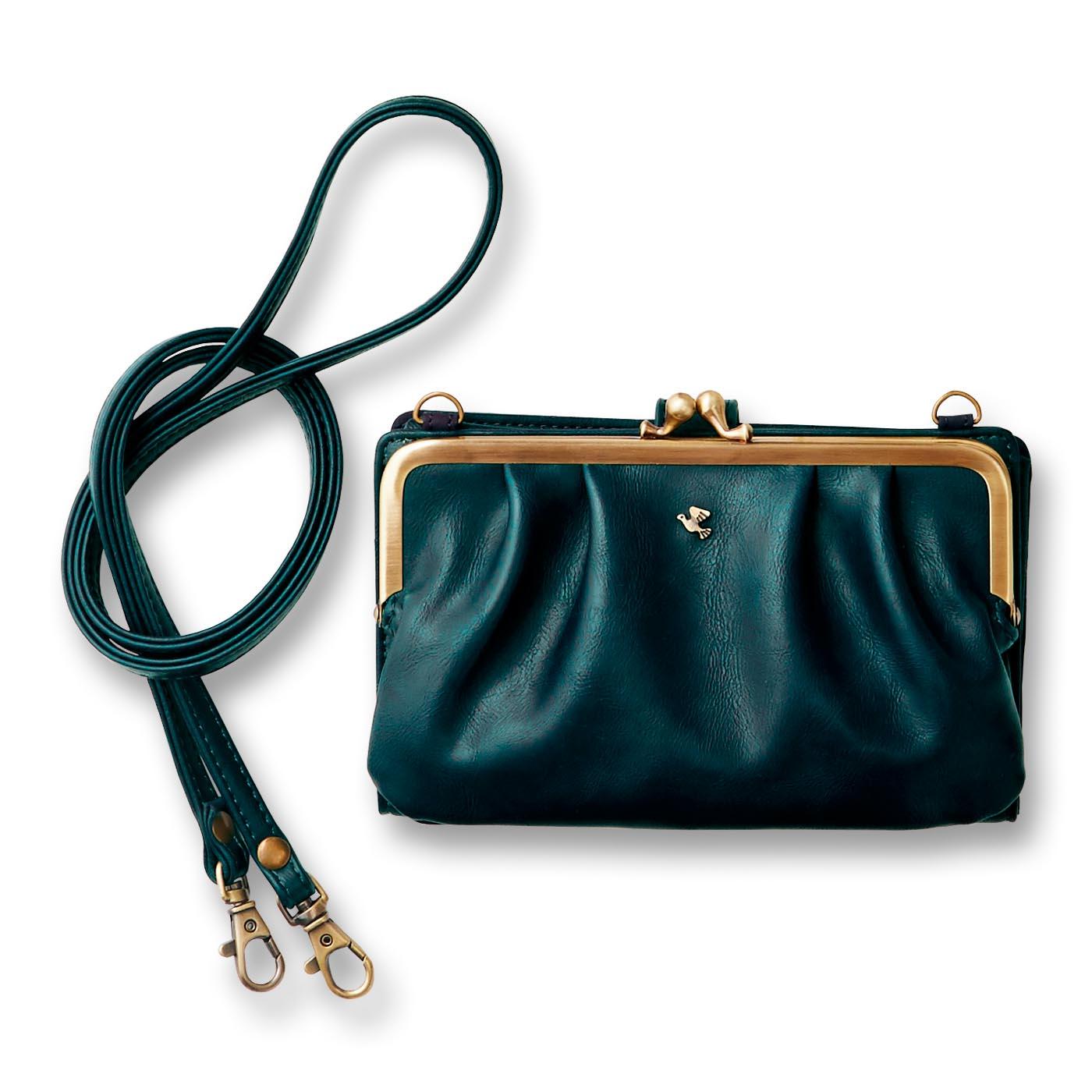 〈オリーブ〉 ストラップを取り外して、バッグの中に入れることも。