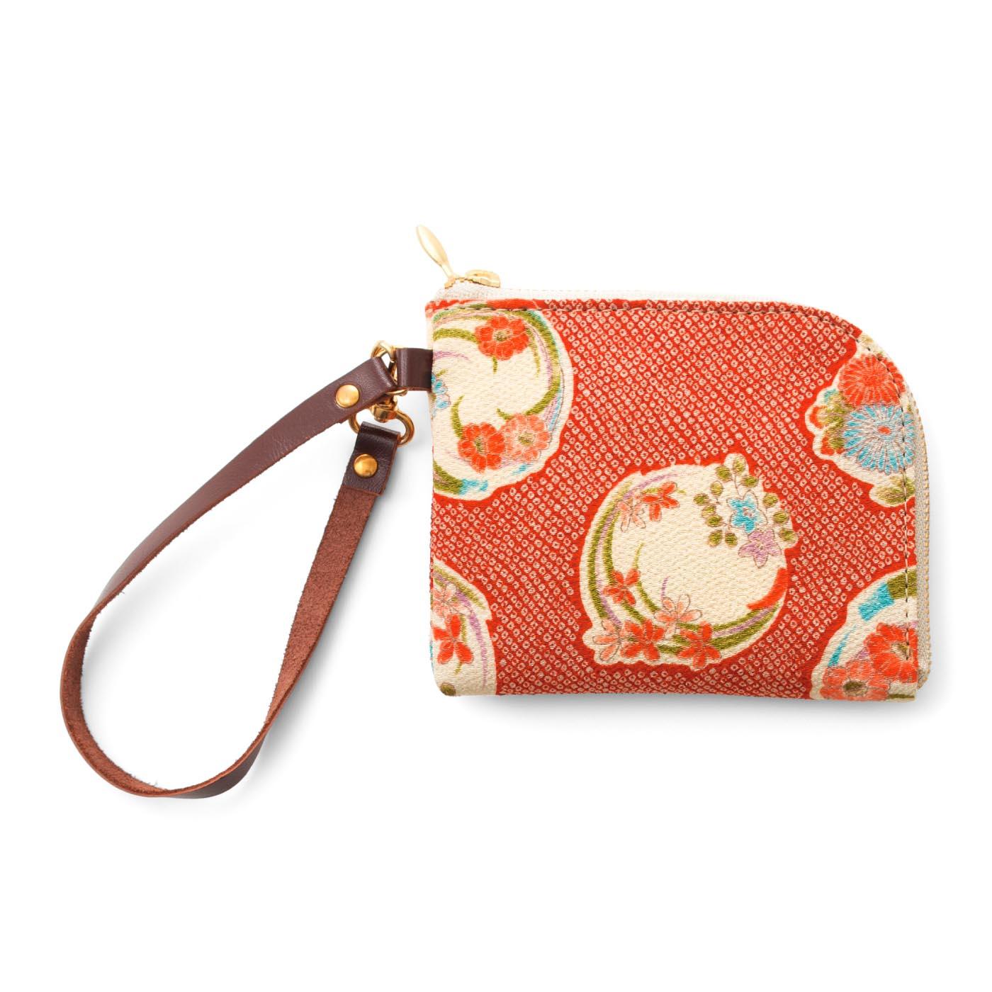 花冠 バッグの持ち手に取り付けられます。