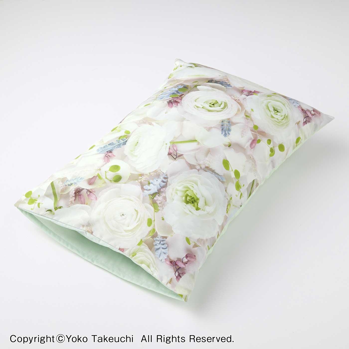フェリシモ 花に包まれる リアルフラワープリントのピローカバー〈ホワイト〉