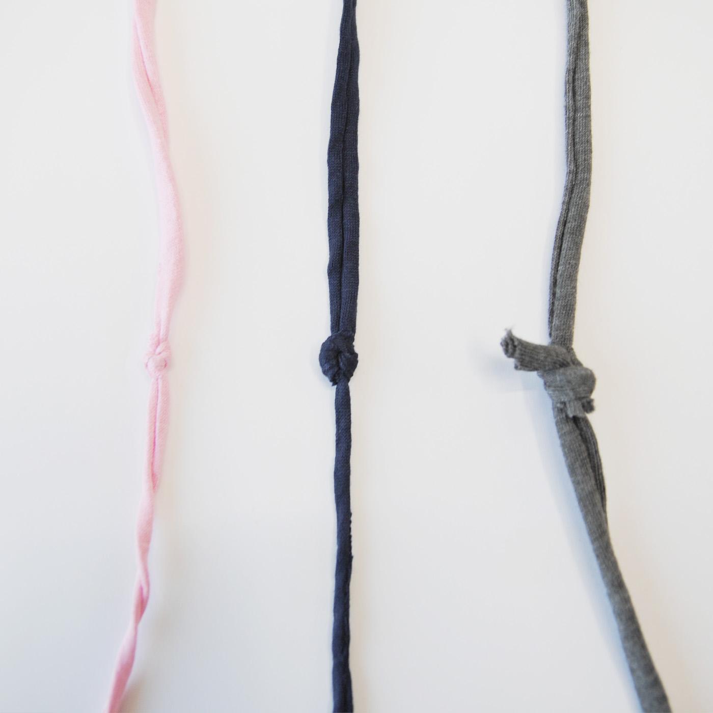 【注意事項】ひと玉の中には糸のつなぎ目(結び目)が複数個所出てくる場合があります。