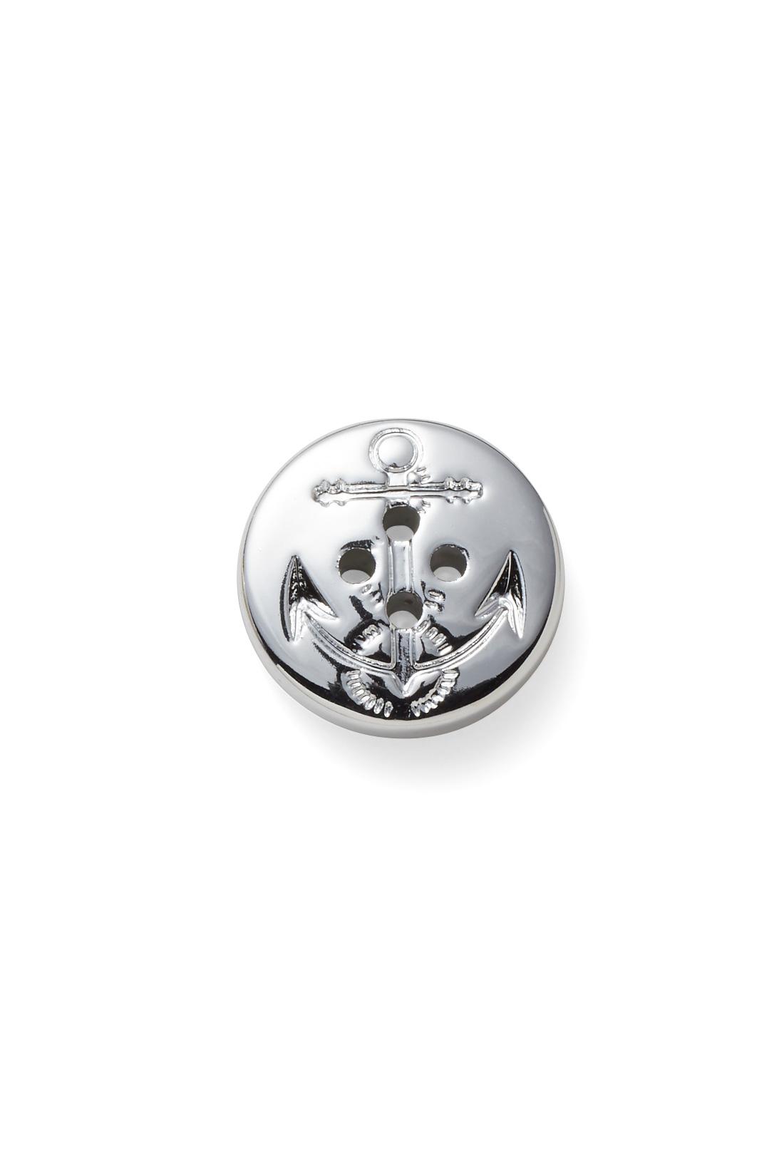 イカリ柄のシルバーのボタン付きで、一枚でも華やか。