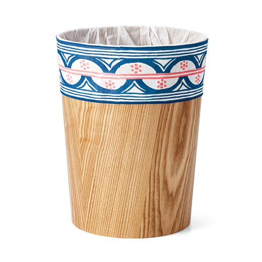 伸縮性のある天じく素材で、ごみ箱にしっかりフィットします。