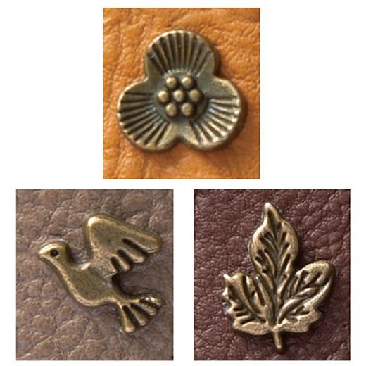 「花」、「鳥」、「葉」の3種のチャームがアクセント。