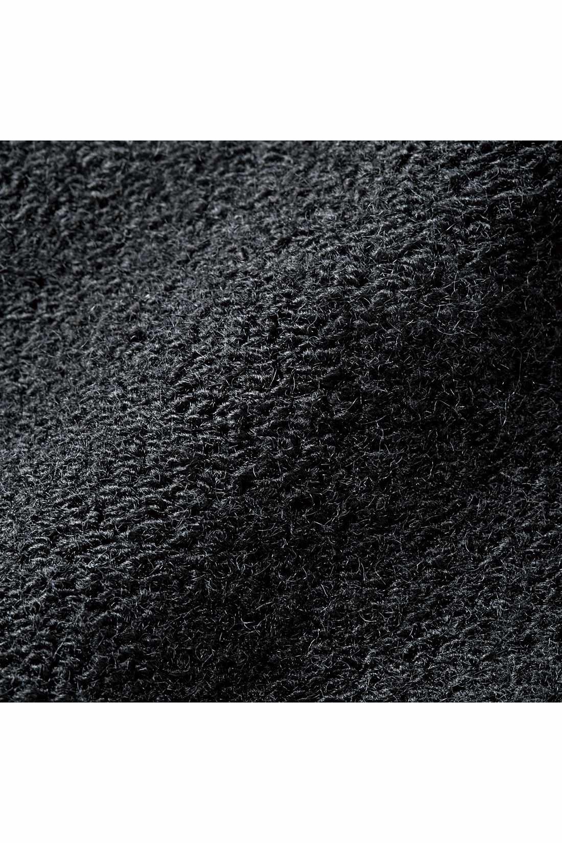 肌ざわりはふんわり、そしてしっかり厚みのあるパイル生地。
