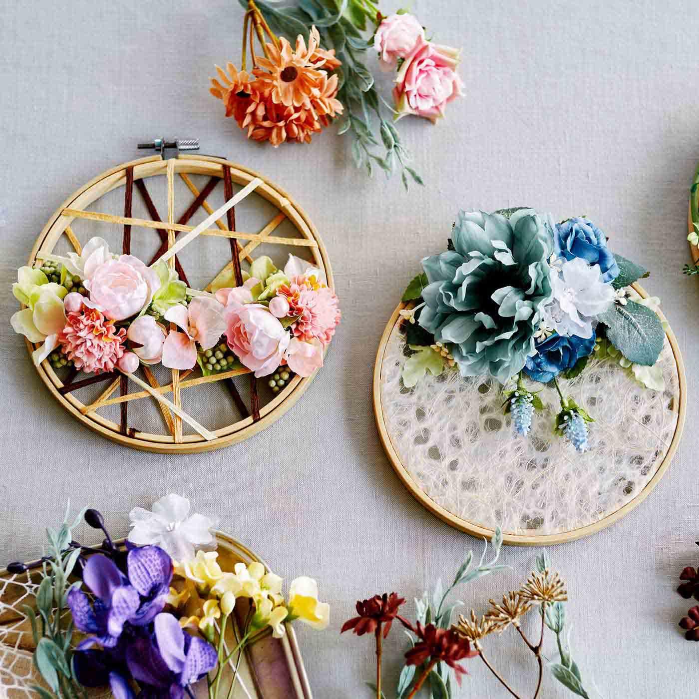 壁一面に花の彩りを 癒やしの空間フラワーフレ-ムの会