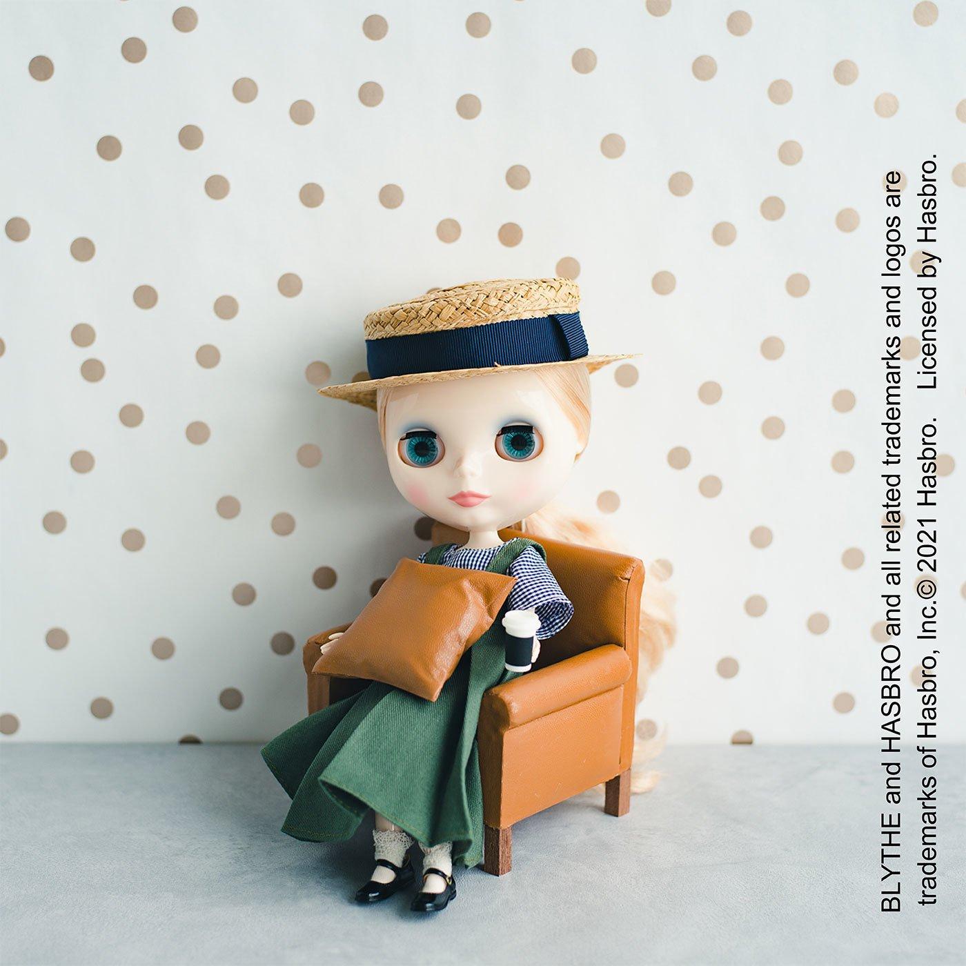 アンティークな雰囲気をまとった 小物入れにもなるミニチュア家具キット ~ソファ~