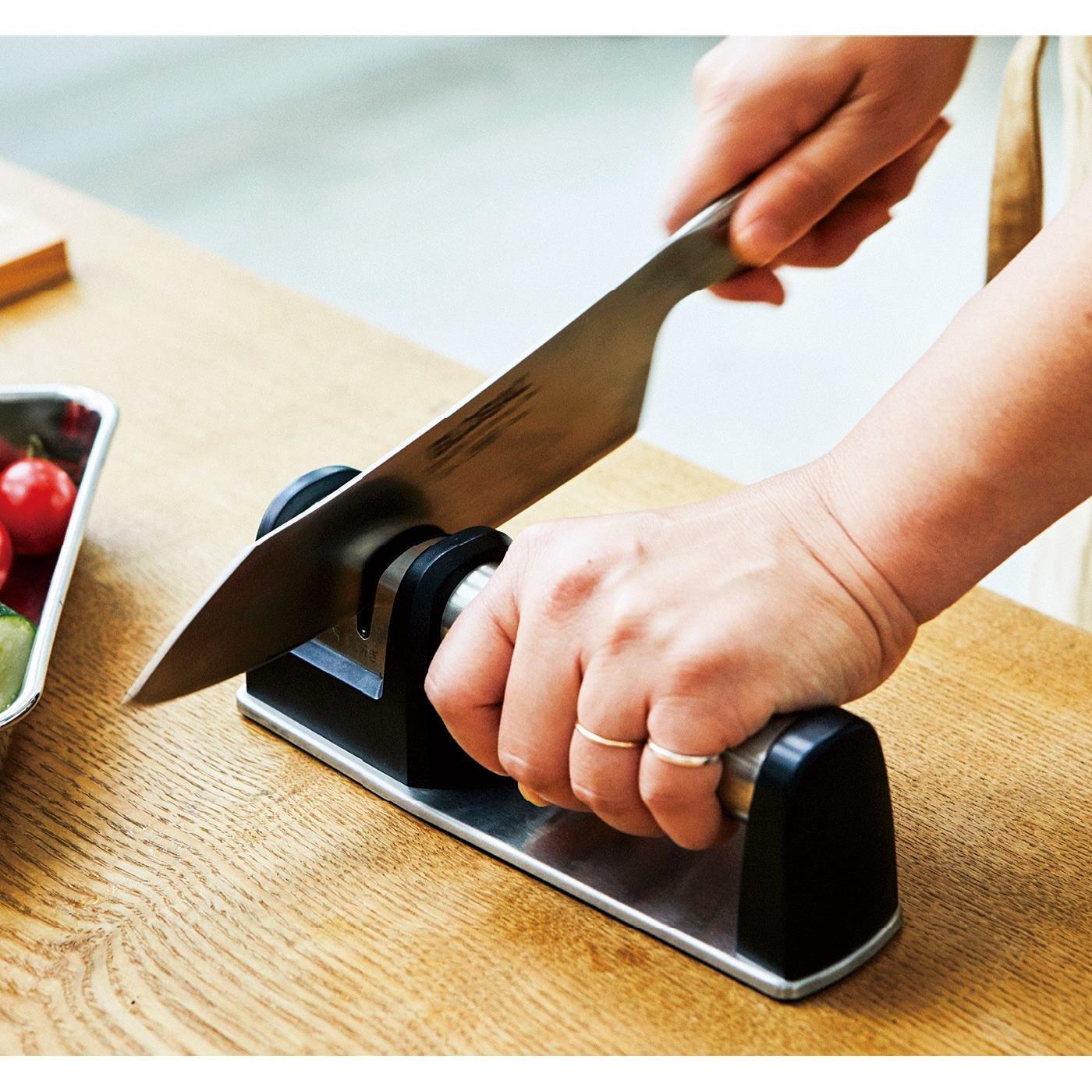 調理前のひと手間で切れ味よみがえる ステンレスシャープナー
