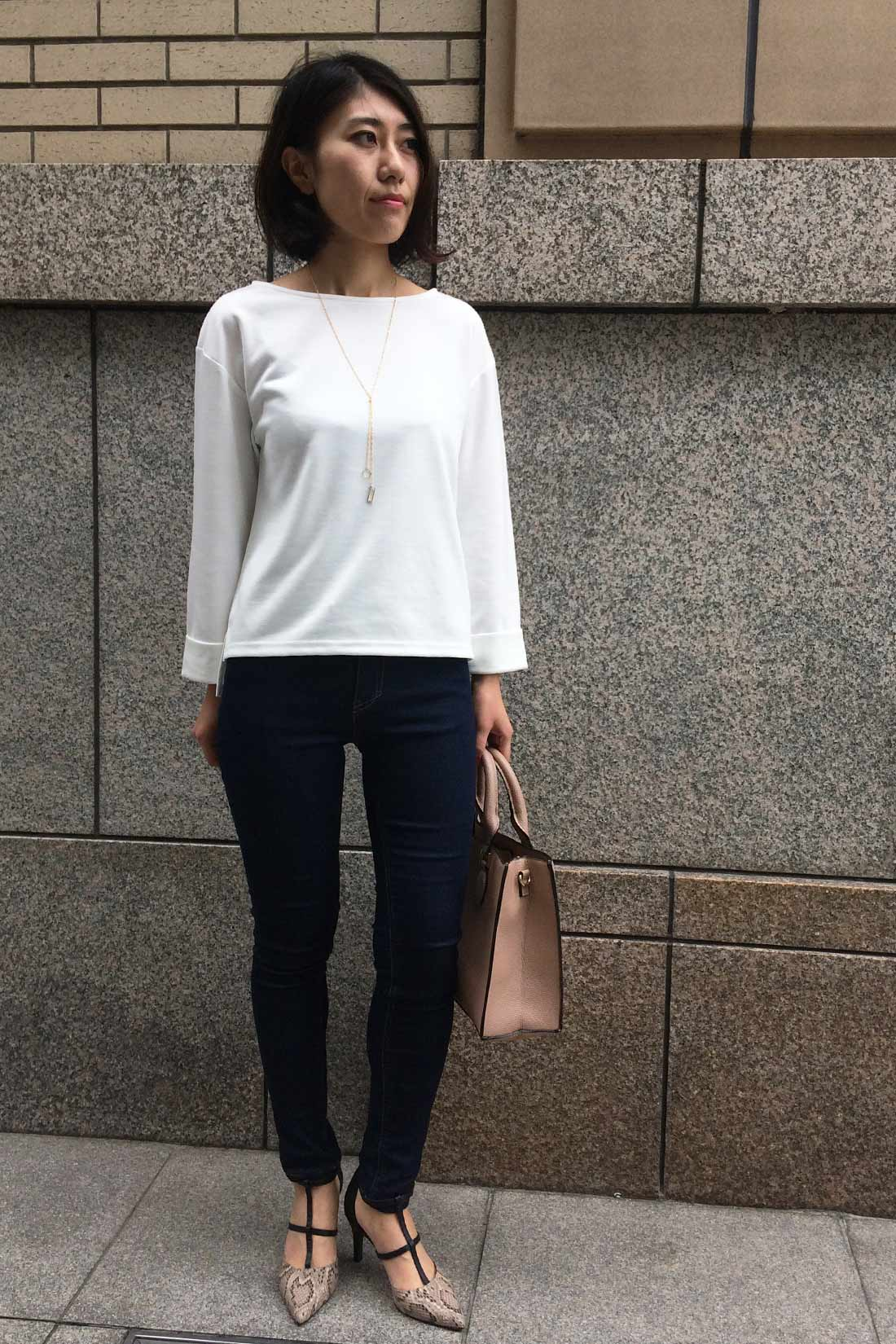 スタッフ着用 身長:166㎝ 着用サイズ:M ※お届けするカラーとは異なります。