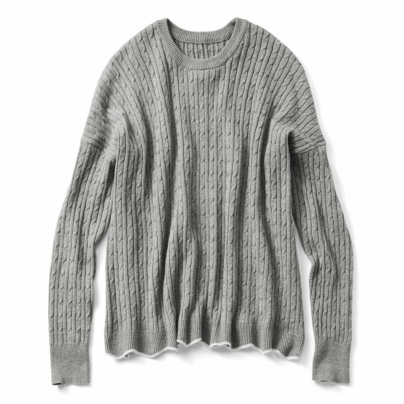 リブ イン コンフォート ゆったりラインで着こなしやすい 総柄ケーブル編みシルク混ニット〈グレー〉