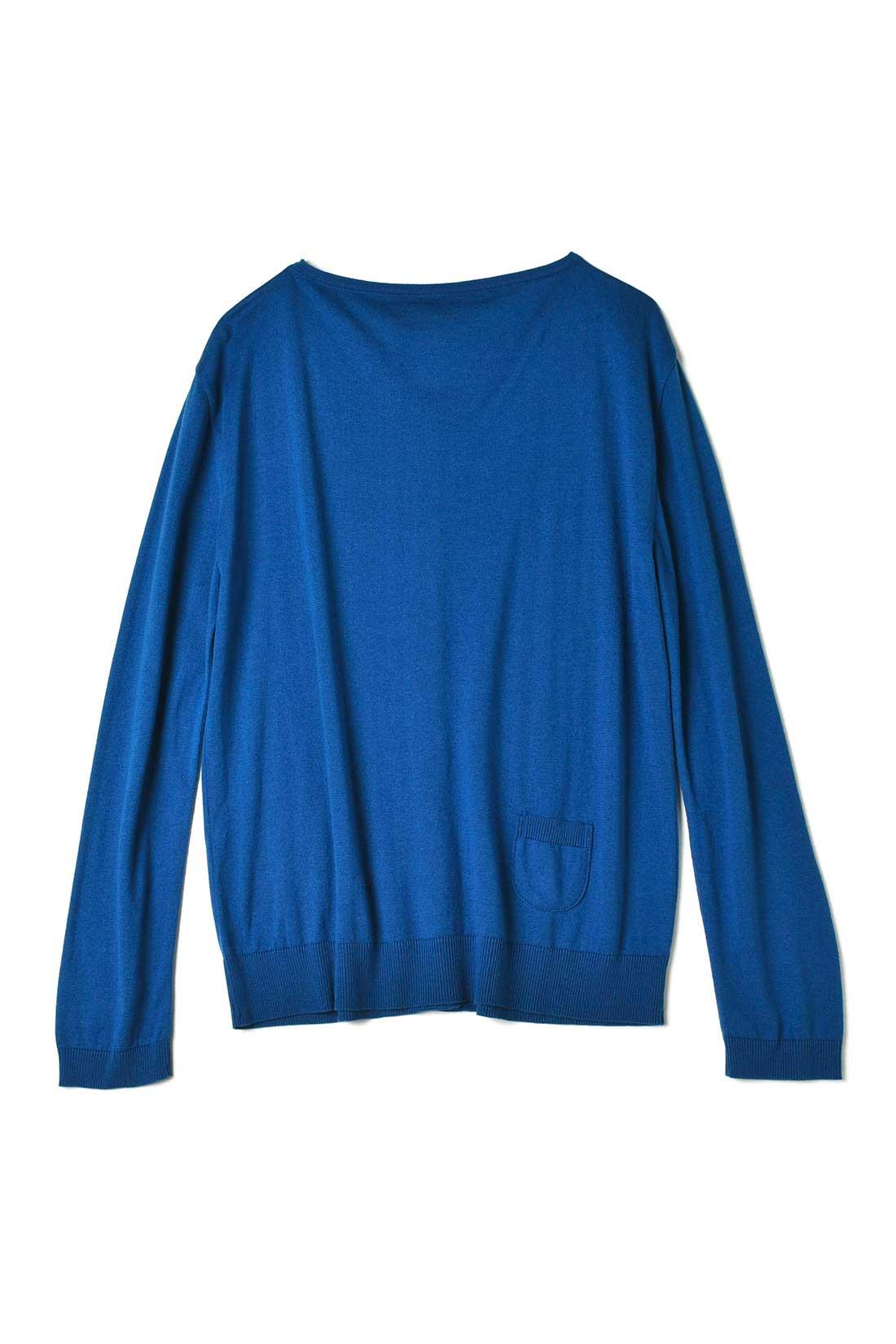 【ブルー】詰まり気味の首もとがかわいい。※注意:小さなポケットには、特に何も入りません。笑