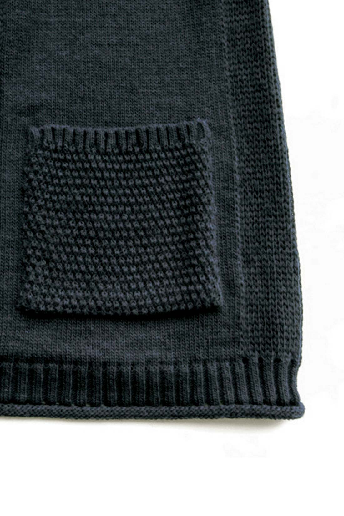 【編み目も凝っています。】編み柄を変えたり、すそをくるんとしたり。細部までこだわったよ。