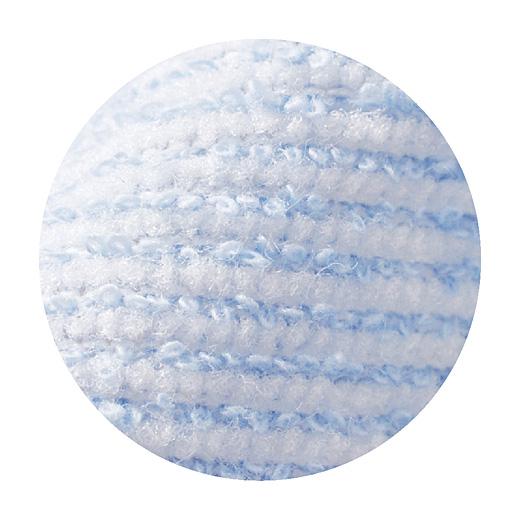 内側とうなじ部分にはサラッとした肌ざわりの吸水速乾素材を使用。