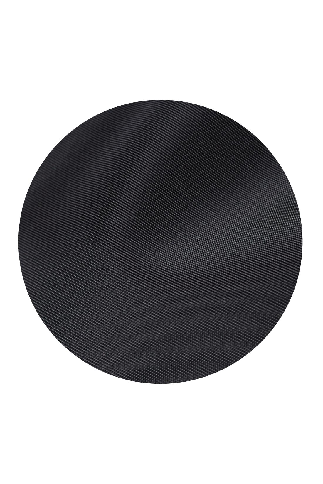 艶やかできれいなナイロン素材は、中わた入りでふんわりリッチな印象。 ※お届けするカラーとは異なります。