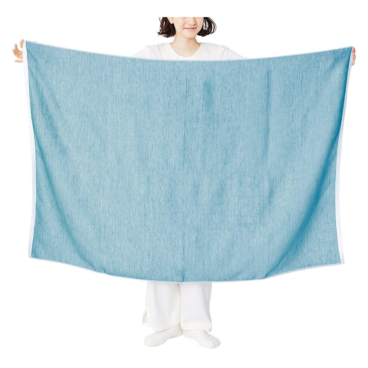 お昼寝ケットにも使える大判サイズ。