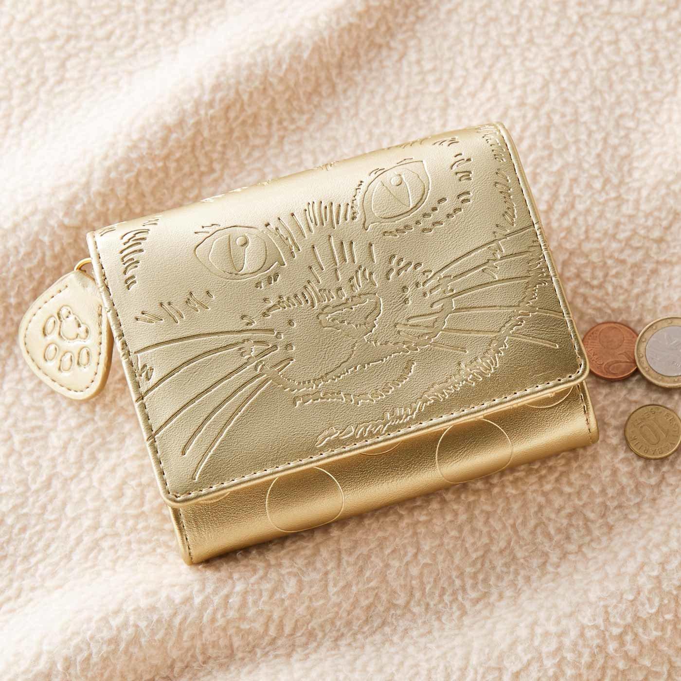 にゃーんと運気も急上昇? 三つ折ゴールドねこ財布