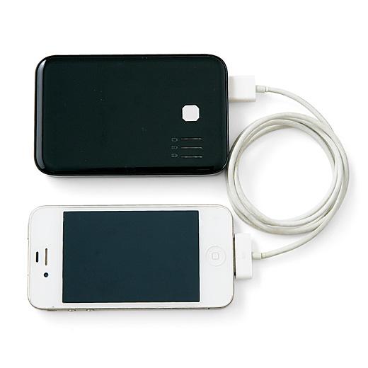 充電器のコードをスマートフォンにつないだまま収納OK。