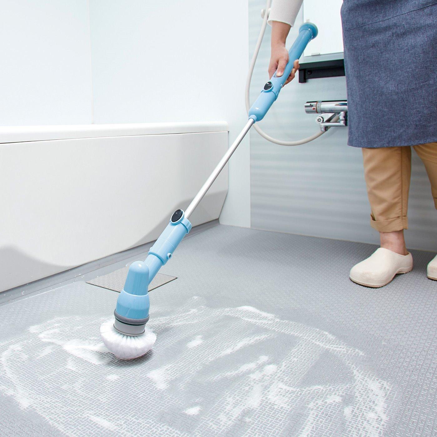 床や浴槽も立ったままでらくらくお掃除 充電式電動バスブラシセット