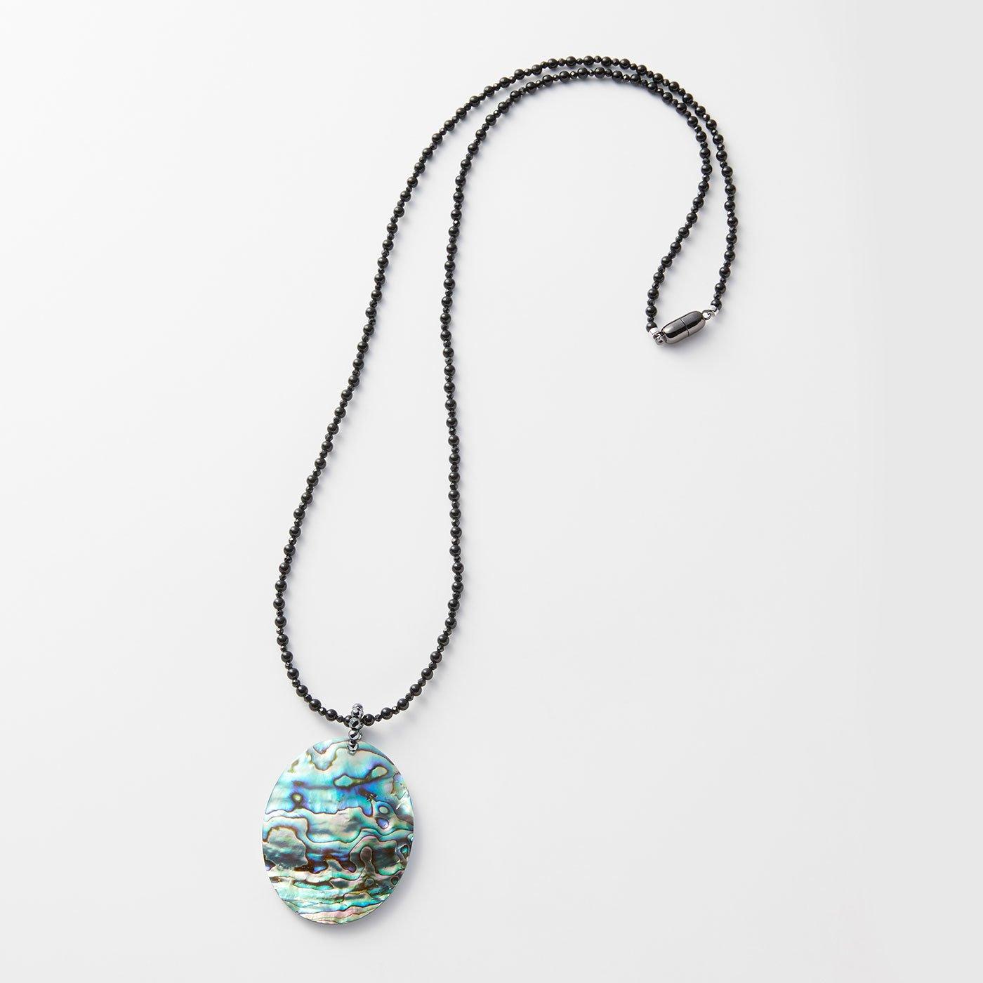 LXセレクト 海の宝石アバロンシェル&オニキスネックレス