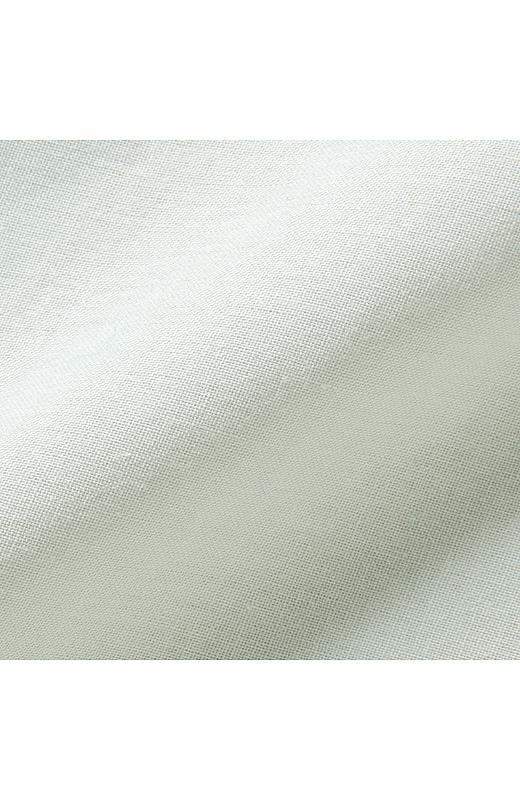 ふわりとした軽い感じを大切にしたコットン100%素材。