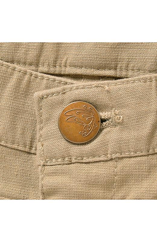 リボンを外した時にみえるかわいいボタンにキュン。