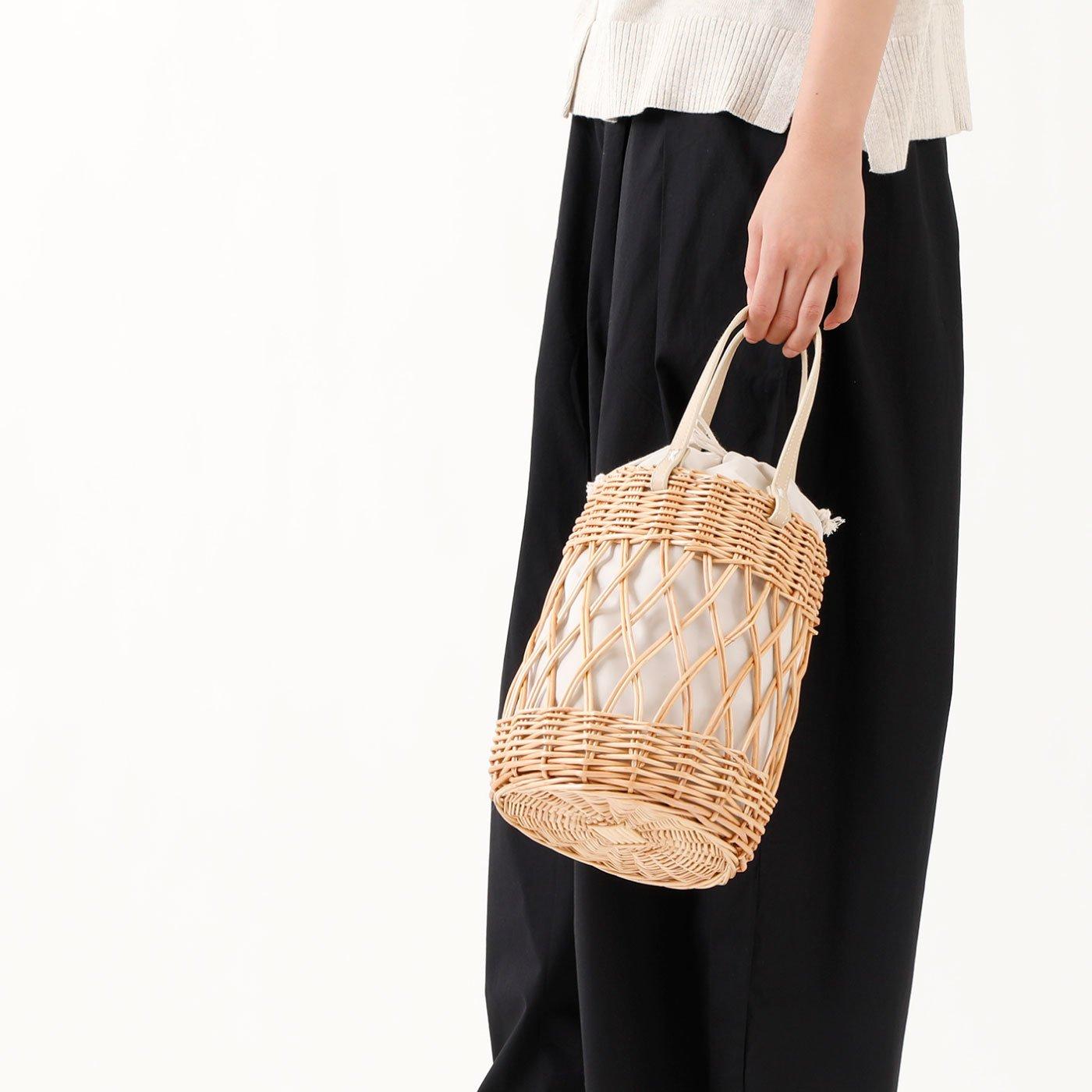 持つだけでかわいい編み柳巾着バッグ