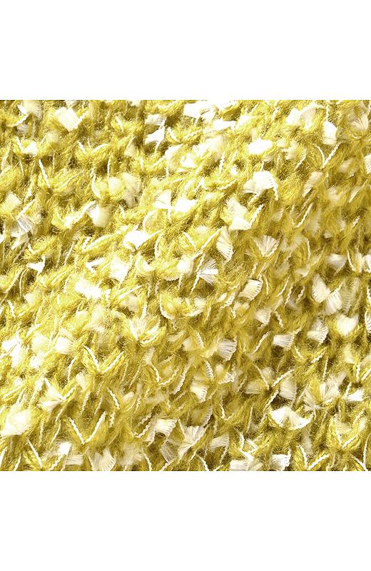 糸×編み地が生み出す表情が華やか。一枚でも、おしゃれな雰囲気です。柄ボトムスとも合わせやすいから、着まわしいろいろ。