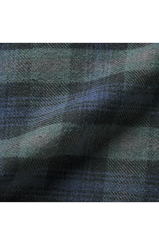 身生地は心地よい綿100%素材。幅広いシーズンに活躍。