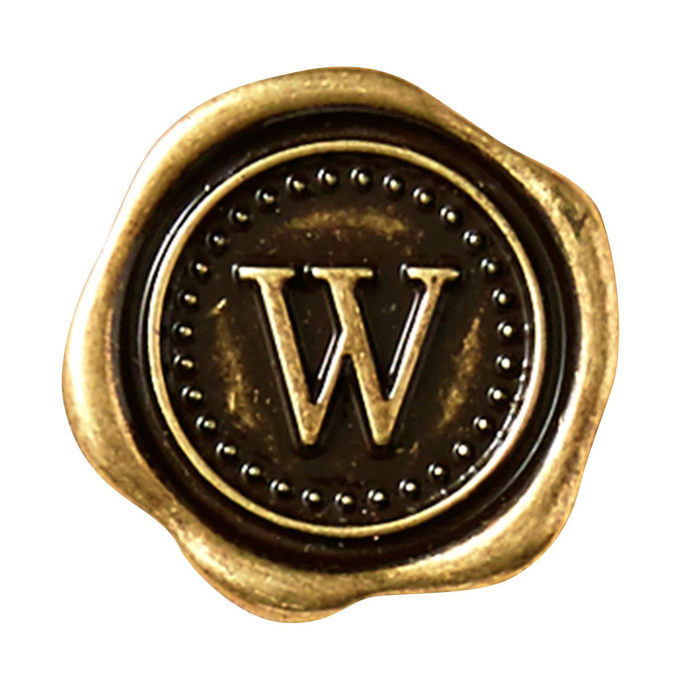 ダブルのハッピーを引き込んでくれそうな「W」の刻印。(Wealth/富, Wish/願い)