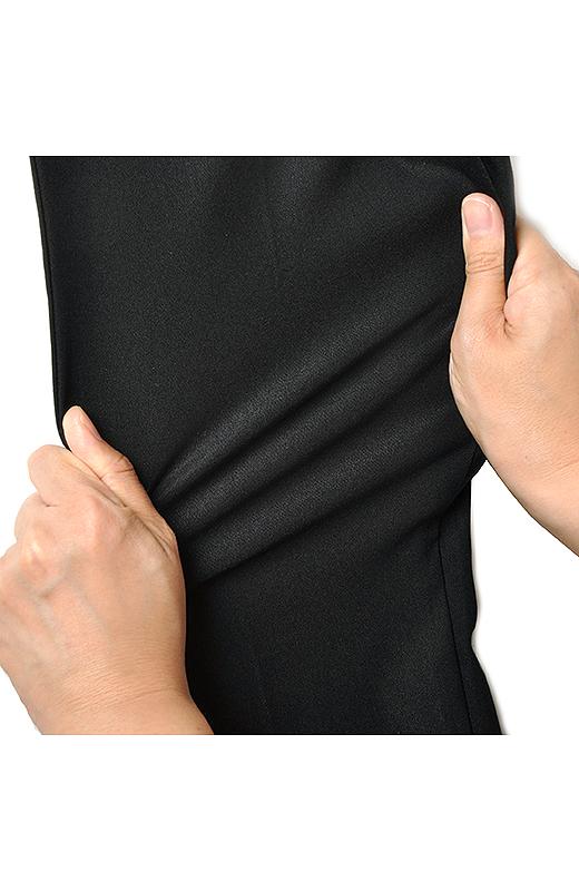 ストレッチのきいた布はく素材だから、驚くほどらくちんなはき心地。