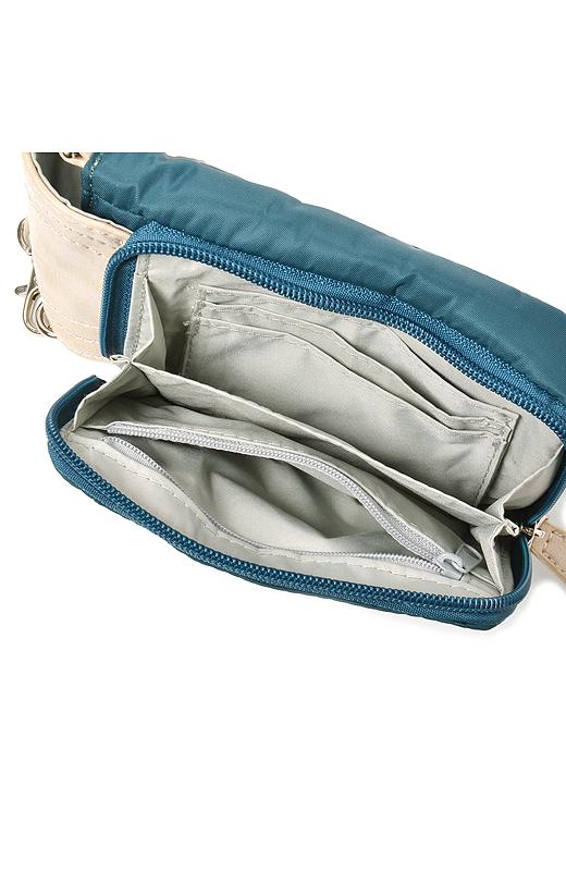 ポーチの背面がお財布に!カードや小銭が仕分けできる、使いやすいジャバラ式。
