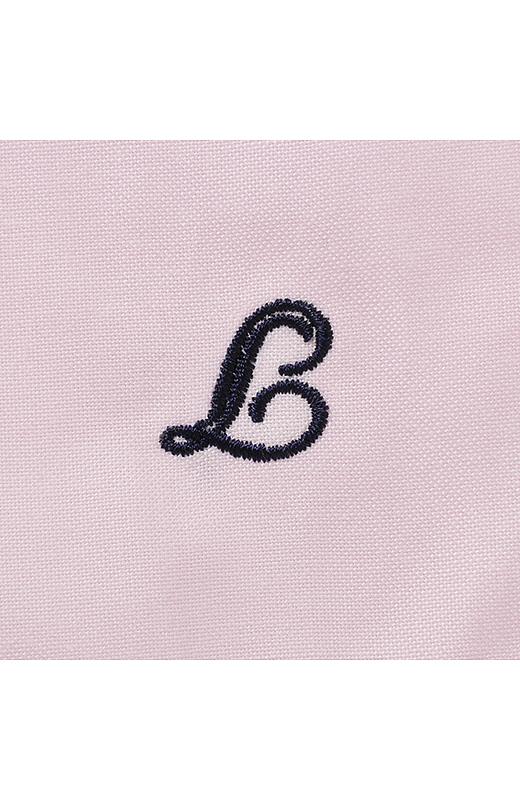 ララ・ステラの「L」をモチーフにした刺しゅう入り。