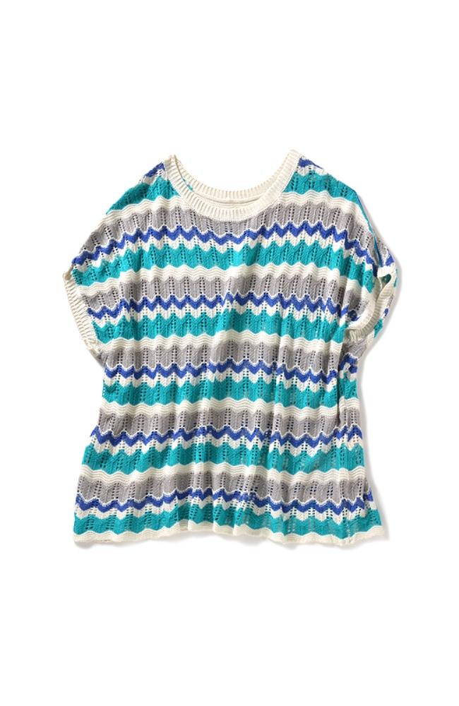 衿や袖口は明るいカラーのリブでスッキリさわやかに。