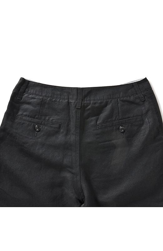 BACK バックスタイルも玉縁ポケットで大人っぽく仕上げました。