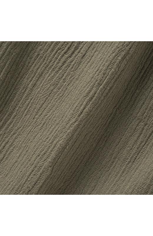 軽やかで風合いのよい綿100%の揚柳素材はからだに張り付かずさわやかな素材感。