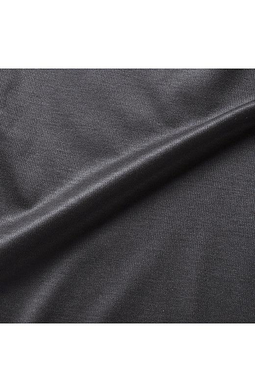 軽さとしなやかさが特徴の軽い素材感のカットソーピケ。