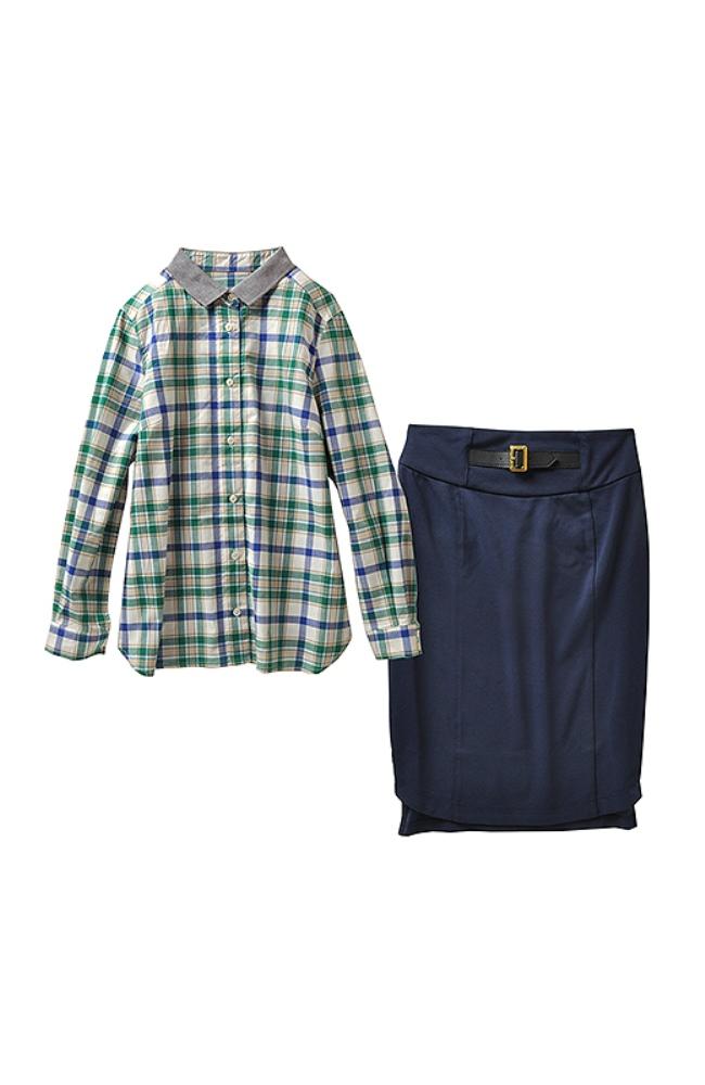 スカートはミニベルトとゴールド調金具でクラスアップ。