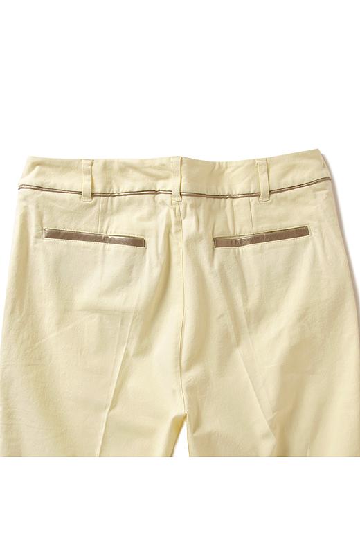 Back バックポケットのデザインもアクセントに。