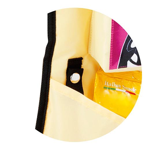 レジ袋ループ:レジ袋の持ち手を引っ掛けてパチンと留められるループ付き。簡易ゴミ入れやタオル掛けに便利!