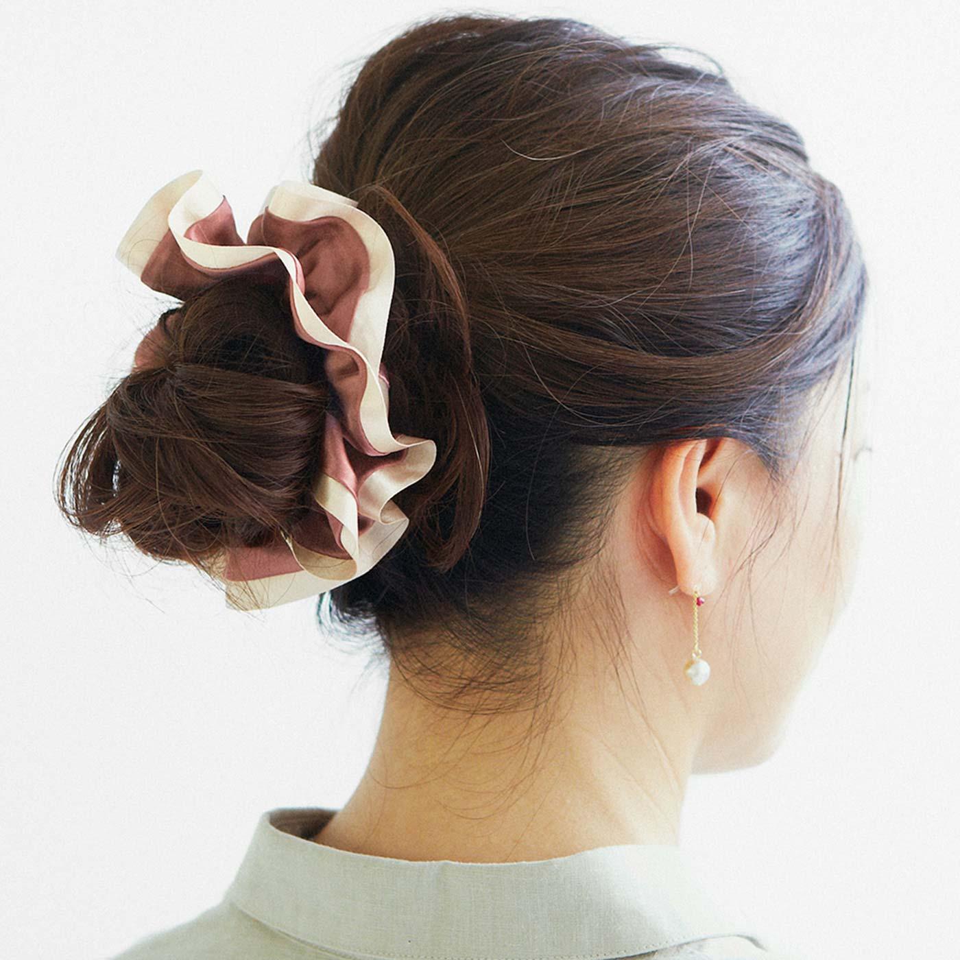 これは参考画像です。 まとめ髪を華やかに演出。一本でふんわりなのにしっかり留まってスルッと抜けません。