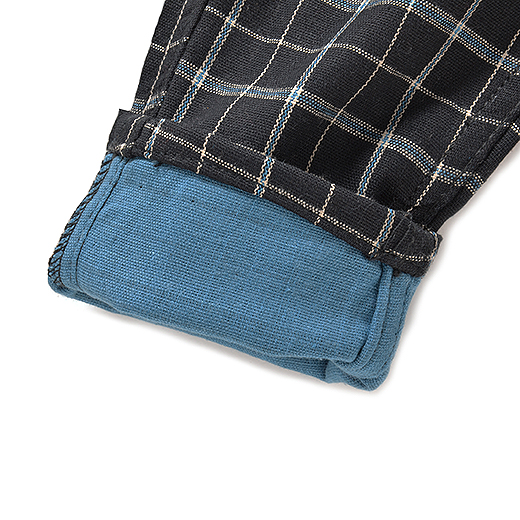 Back ヨーク切り替えやポケットでカッコよく仕上げました。