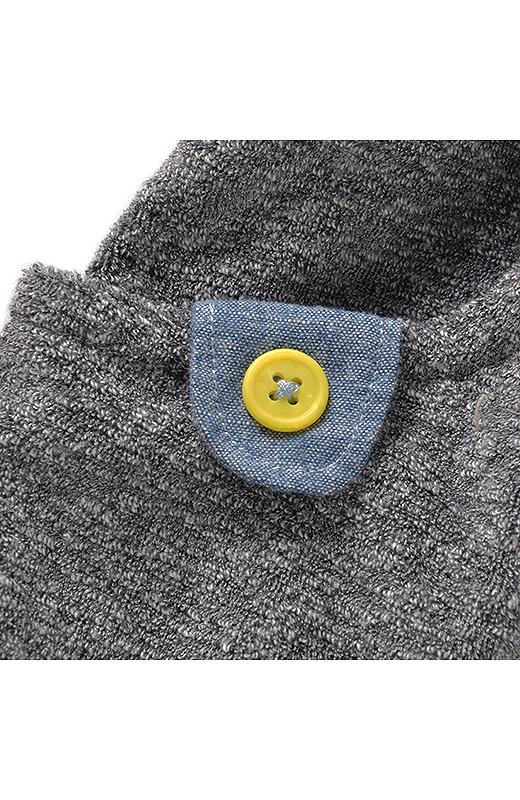 着やすいモノトーンのしましま素材。肌ざわりのよさも抜群です。