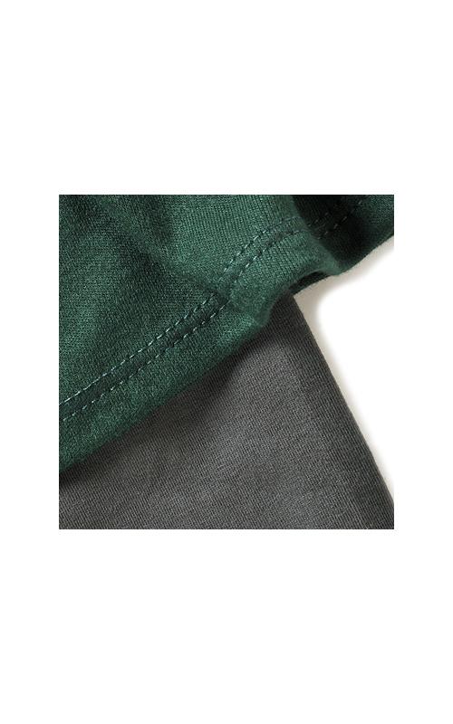 スカート部分はとろみのあるレーヨン混、スパッツの部分は伸びのいいベア天じく。