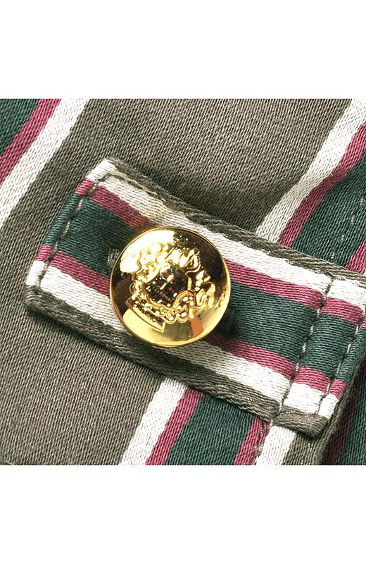 先染め糸から織り上げた英国調ストライプ。伸縮性の高いストレッッチ素材で、動きやすさも抜群です。