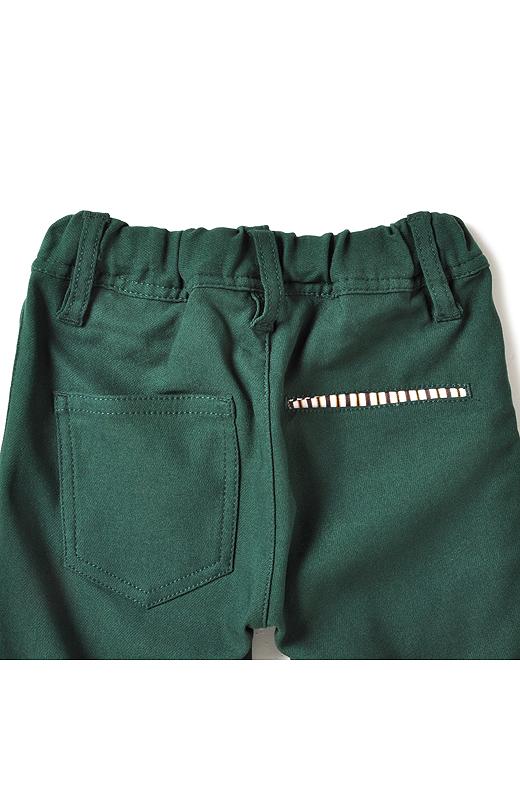 Back ウエストは総ゴムでらくちん。ポケット裏やベルト裏のおしゃれな先染めのストライプ生地がアクセント。