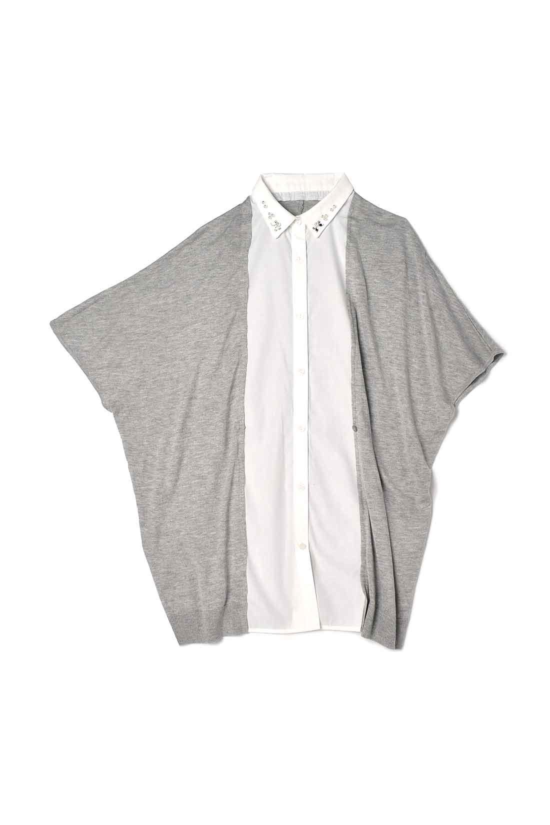 前身ごろでシャツとカーディガンがドッキング。ボタンを留めるとすっきり細見えシルエット、開けるとすとんと着られます。