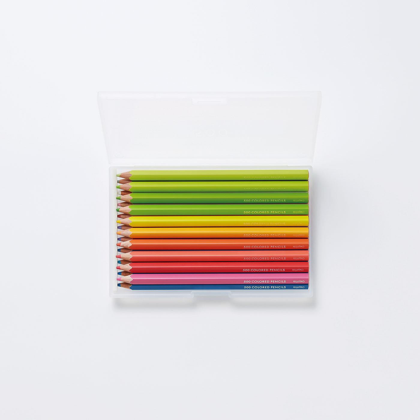1セットはテーマによって選定された20色を透明ケースに入れてお届け。