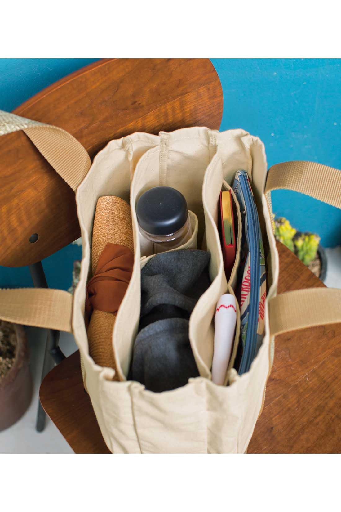 3部屋構造+ペットボトルポケット+2つの仕切りポケットなどで、スキッと収納。