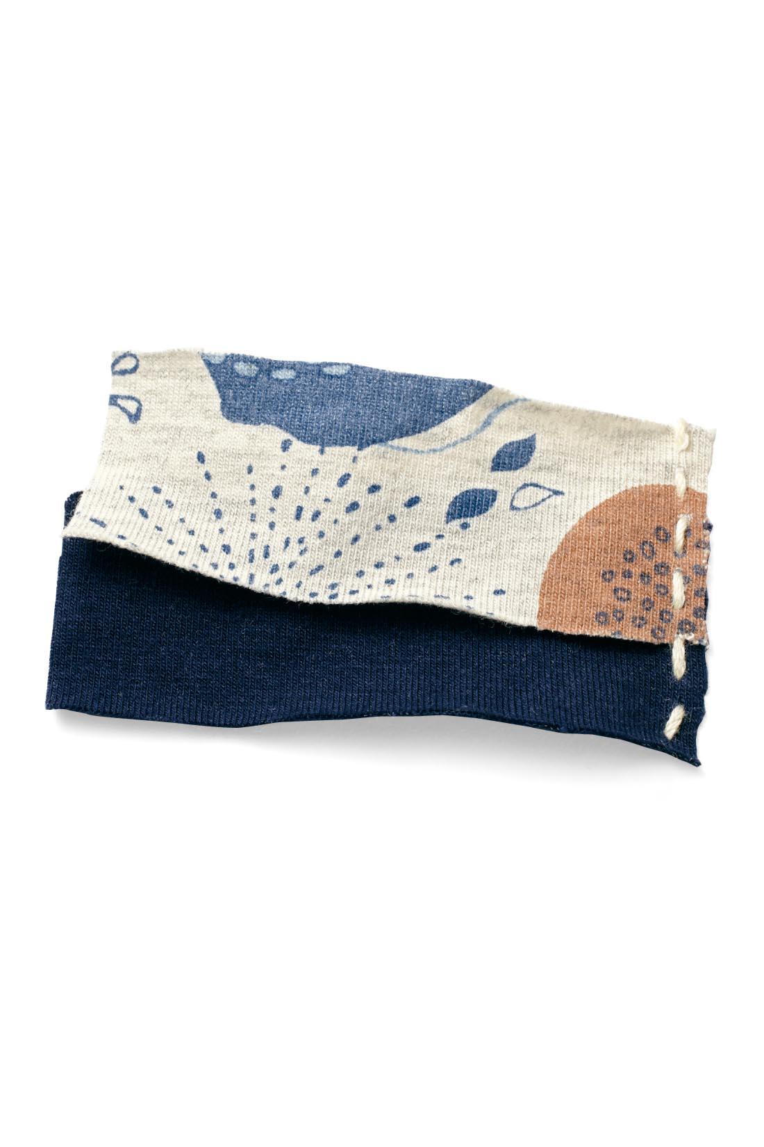身生地にはプリントのニュアンスを深める、杢調の素材をセレクト。綿混素材で肌心地もさわやか。