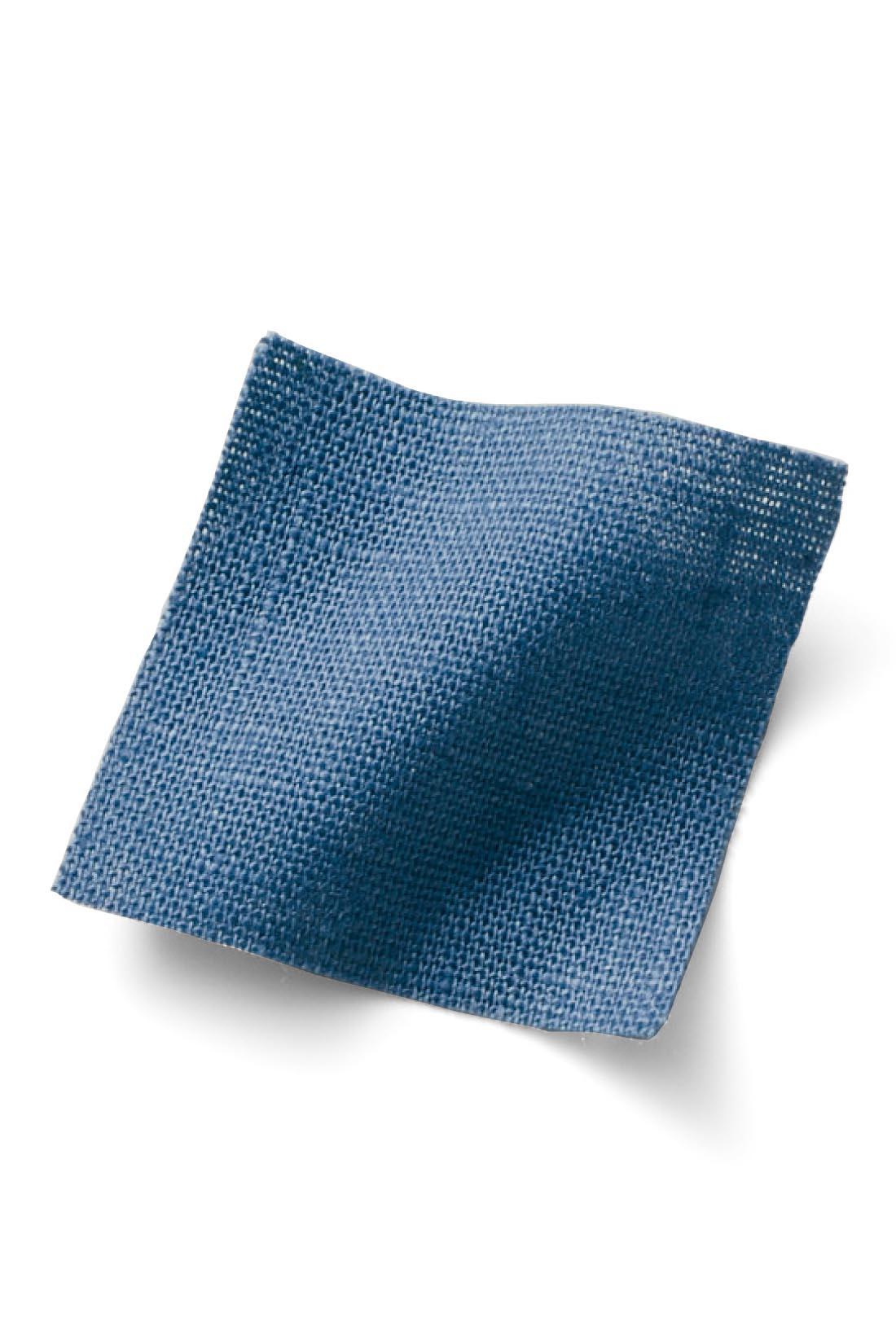 【コットンリネン】 肌心地涼やか。洗いざらしを大人っぽく楽しめる天然素材です。 ※お届けするカラーとは異なります。