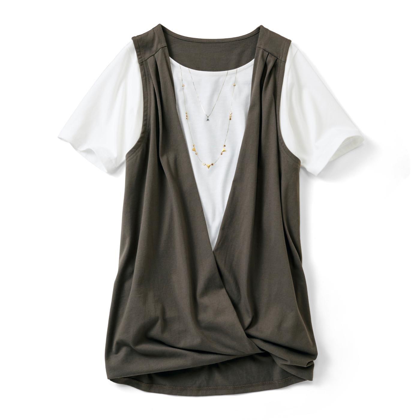 リブ イン コンフォート 体形カバーと着映えはおまかせ カシュクールにもなる ジレドッキングTシャツ〈カーキ〉